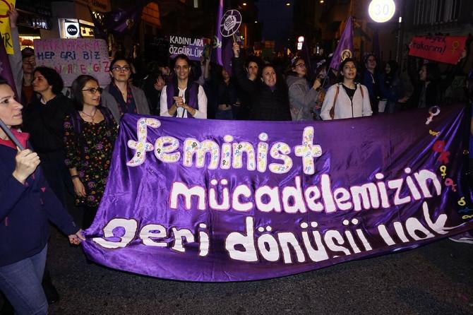 Žene traže bolji svet, kada će ga dočekati? Fotografija sa protesta u Turskoj