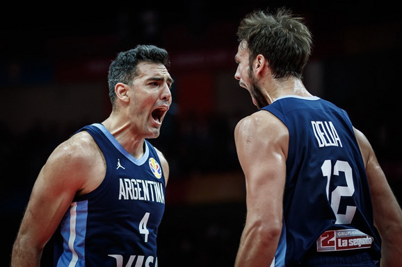 Radost košarkaša Argentine