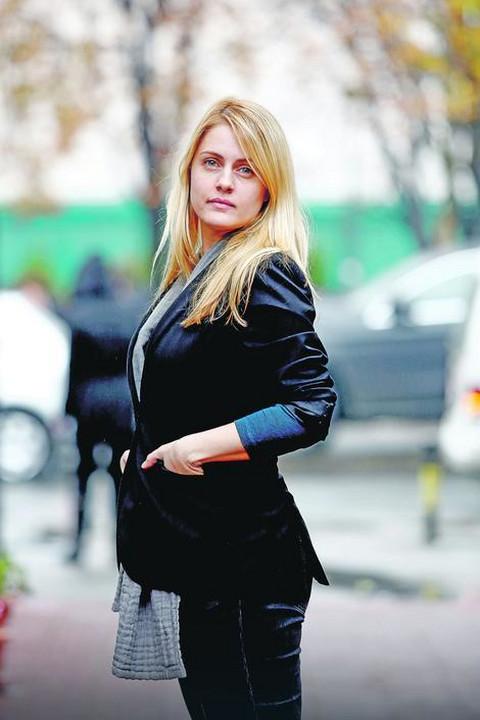 Tamara Krcunović progovorila o udvaranju, a onda oktrila kako reaguje kada je ljudi prepoznaju na ulici! VIDEO
