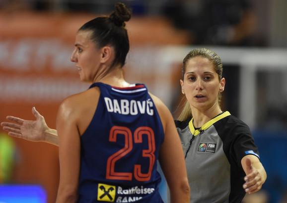 Ana Dabović na meču Srbija - Belgija