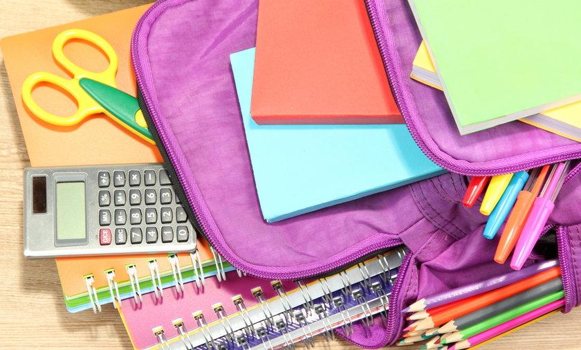 plecak, szkoła, zeszyty, wyprawka