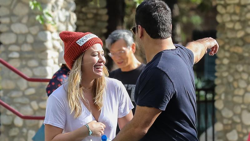 Hilary Duff i jej były mąż Mike Comrie z synem na spacerze