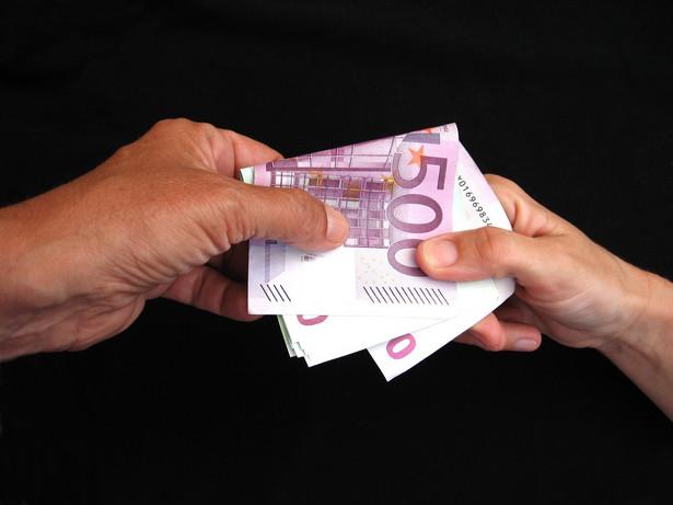 Od 1 stycznia 2009 r. przychodem z działalności gospodarczej będą także przychody osiągnięte w związku ze zwrotem lub otrzymaniem pożyczki, jeżeli była ona waloryzowana kursem waluty obcej.