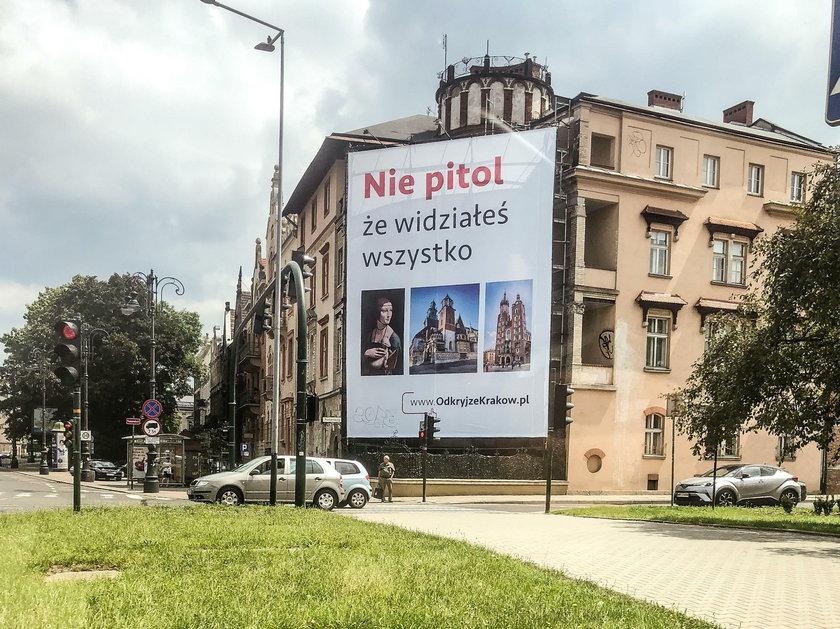 Kontrowersyjna reklama w centrum Krakowa