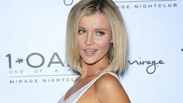 Joanna Krupa topless na wakacjach