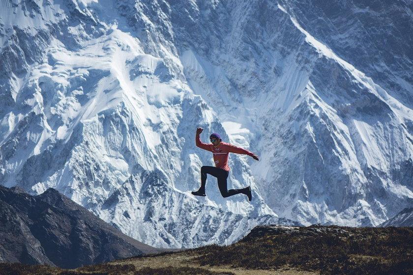 Przed każdym startem w Nepalu Celiński minimum miesiąc  trenuje w Himalajach, aklimatyzując się