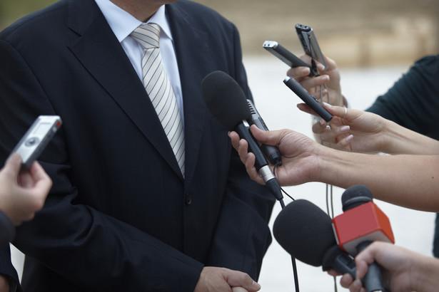 """Według Szostakowskiego, po informacjach ze spotkania z przedstawicielami telewizji, """"wygląda na to"""", że będzie jedna, 90-minutowa debata."""