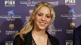Shakira pożegnała się z blond włosami. Teraz jest ruda!