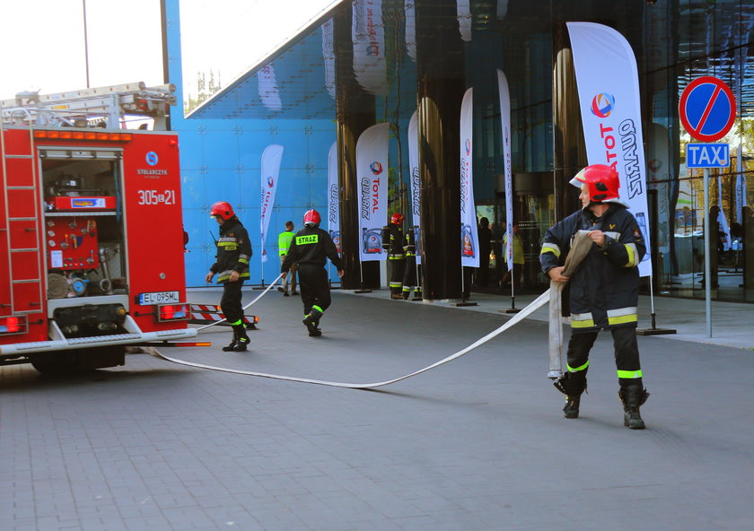 Pożar w łódzki Hiltonie. Ewakuowano ponad 200 osób