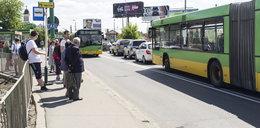 Ścisk w autobusach, korki na ulicach