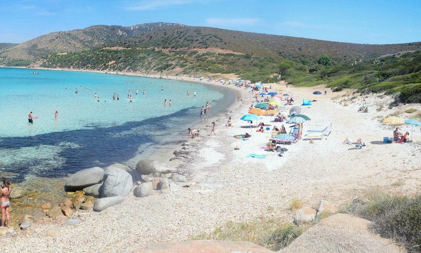 Włochy: turyści zwracają piasek wywieziony z Sardynii