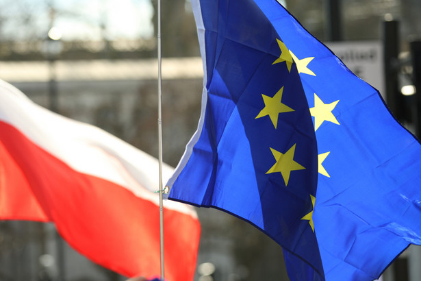 Frans Timmermans, wiceszef Komisji Europejskiej, zapowiedział uruchomienie wobec Warszawy procedury naruszenia unijnego prawa