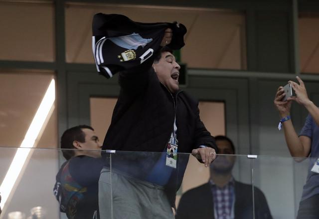 Maradona zasenio dešavanja na terenu
