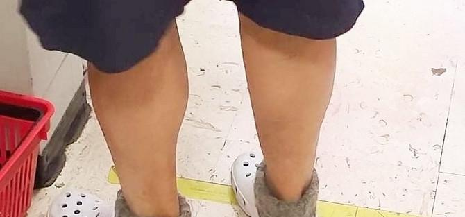 Vunene čarape i kork papuče