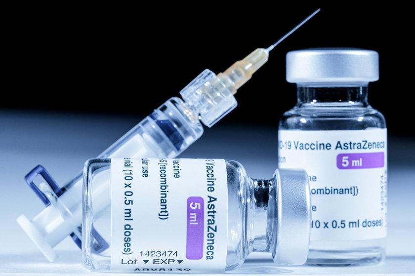 AstraZeneca o szczepionce.