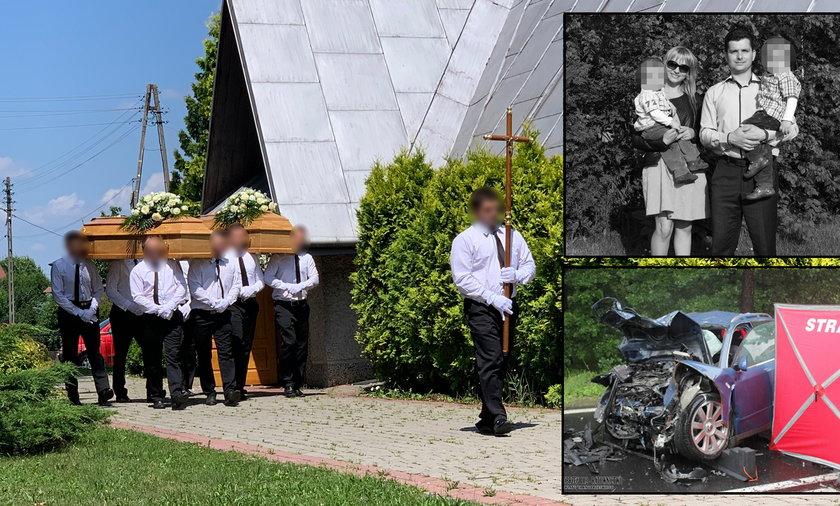 Pogrzeb małżeństwa, które zginęło w koszmarnym wypadku, odbył się w Przędzelu na Podkarpaciu