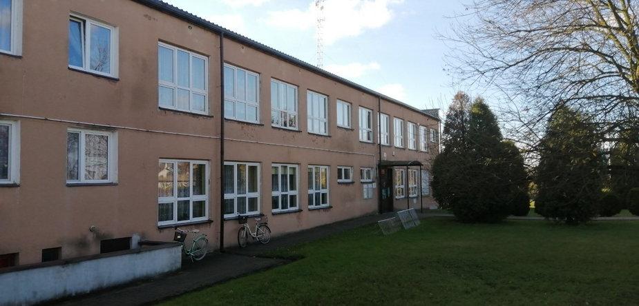 Szkoła podstawowa w Stobnicy