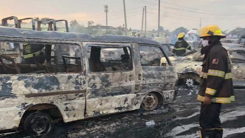Lagos Govt. says 10 victims of Ijegun pipeline explosion die in hospital  [Sahara Reporters]