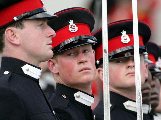 Princ Hari kao vojnik