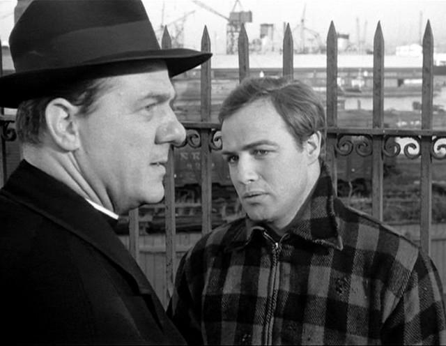 """Karl Mlden i Marlon Brando u filmu """"Na dokovima Njujorka"""""""