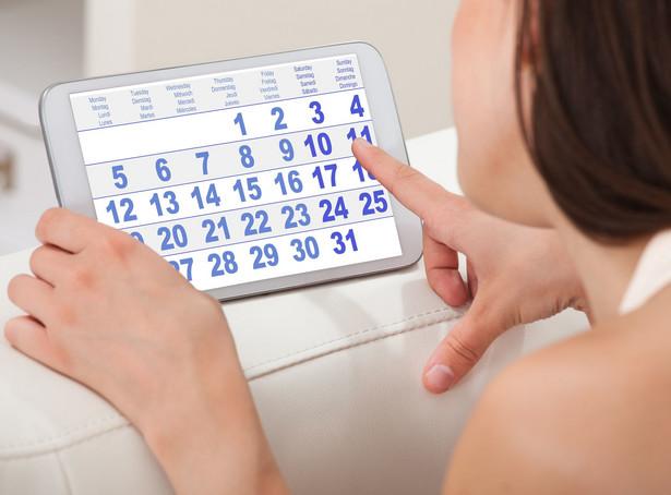 W art. 154 kodeksu pracy (dalej: k.p.) przewidziano dwa wymiary roczne urlopu wypoczynkowego dla pracowników:
