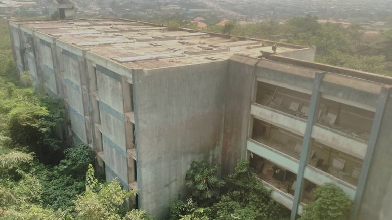 Gateway Hotel Ota which used to be one of the best hotels in Ogun State is now a jungle. (Pulse)