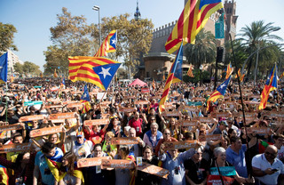 Katalonia idzie po niepodległość. I po e-niepodległość