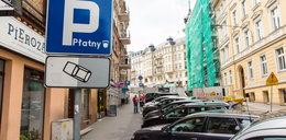 Zabiorą 100 miejsc parkingowych