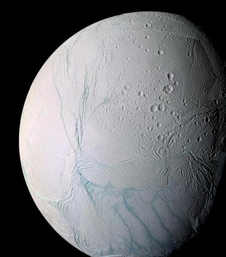 453978_enceladus-nasa-ap