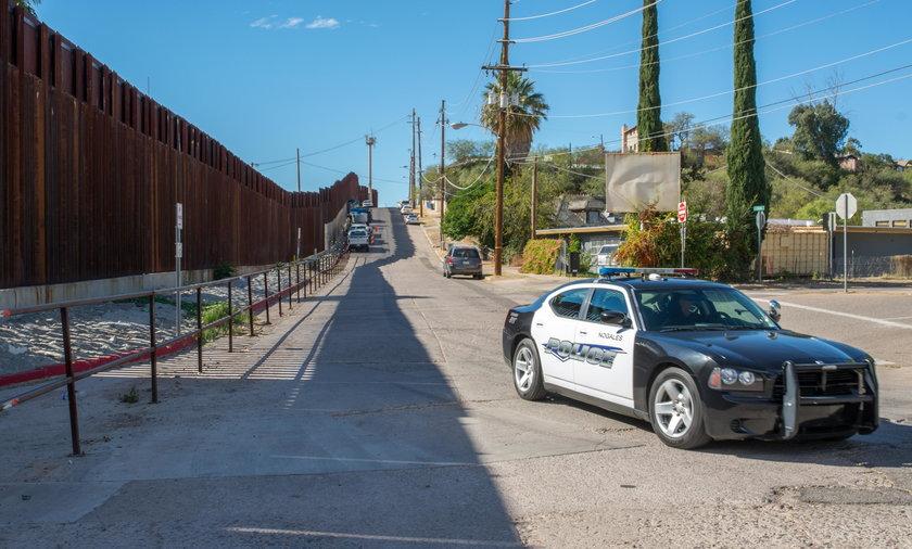 Policja amerykańska na granicy z Meksykiem