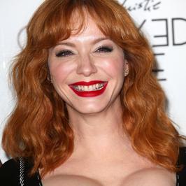 Christina Hendricks na premierze filmu. Jej piersi niemal eksplodowały!