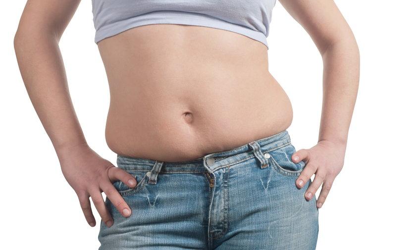 Kobieta, gruba, odchudzanie, jeansy, fałdki, brzuch