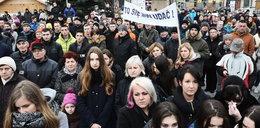 """""""Wyższe kary dla morderców""""! – protest w Nowym Targu"""