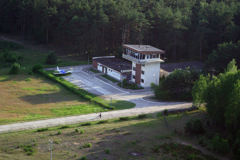 Lotnisko w Szymanach niedaleko Starych Kiejkut. Tutaj według amerykańskich mediów miały lądować samoloty CIA z więźniami Al-Kaidy