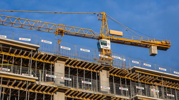 Budowa nowego osiedla mieszkaniowego w Warszawie