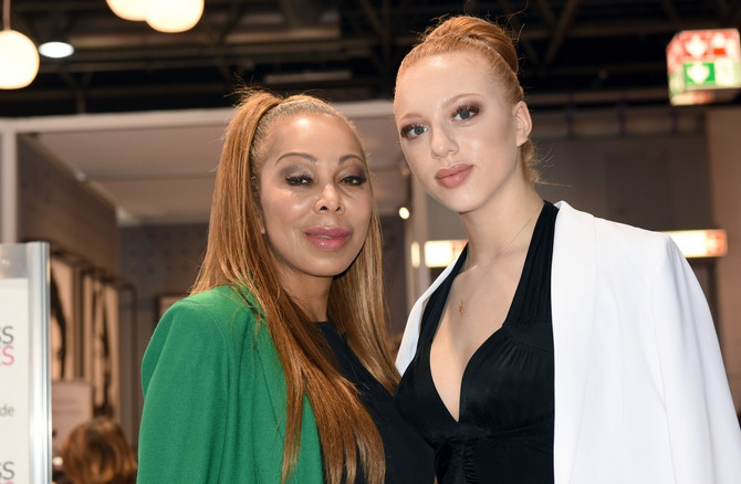 Ana sa majkom Anđelom