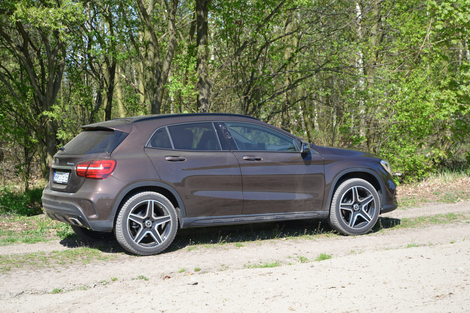 Mercedes GLA 220 4MATIC