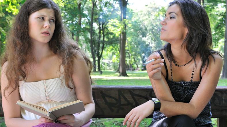 Gdy inni namawiają na papierosa...