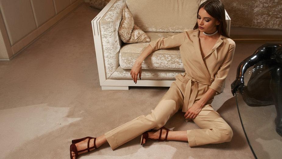 Modny kombinezon – oryginalna alternatywa dla sukienki