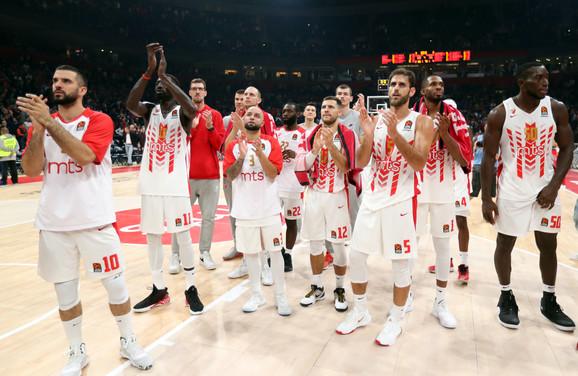 Košarkaši Zvezde slave veliku pobedu