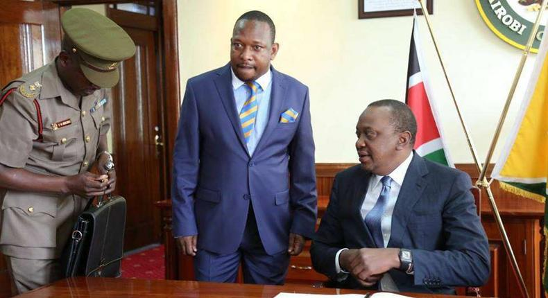President Kenyatta with Governor Mike Sonko at City Hall during a past meeting. NEMA slaps Nairobi County with 48-hour ultimatum over garbage collection