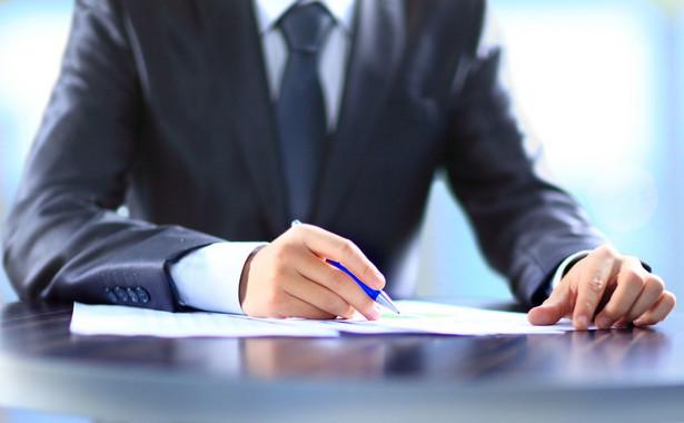 Powierzenie obowiązków może nastąpić wyłącznie pracownikowi tej samej jednostki sektora finansów publicznych.