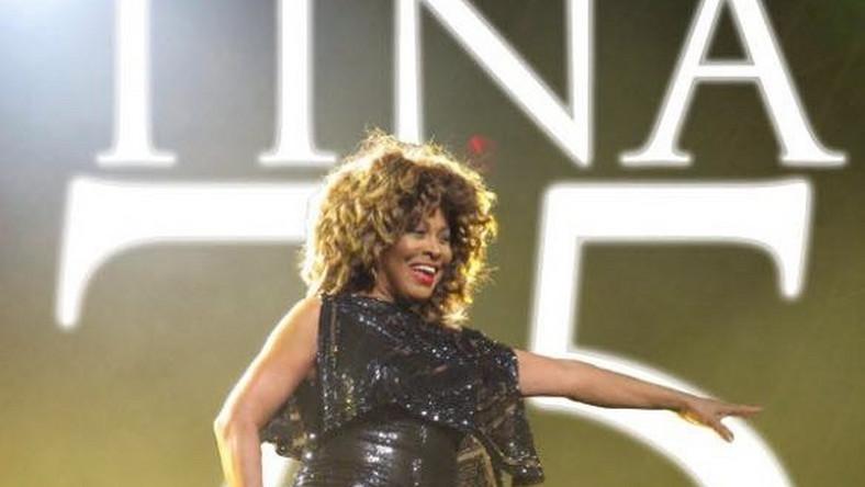 """Anna Mae Bullock –znana światu jako Tina Turner –urodziła się w rodzinie baptystów. Od dziecka wykonywała klasyki gospel. Hołd tej muzyce oddała na wspólnej z mężem Ikiem płycie """"The Gospel According to Ike and Tina"""" w 1974 roku. W latach 70. przeszła na buddyzm. Jak wyznała w jednym z wywiadów, stał się on dla niej m.in. odskocznią i schronieniem po koszmarnym związku z Ikiem"""