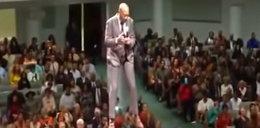 Pastor zrobił to w czasie kazania. Wierni oniemieli!