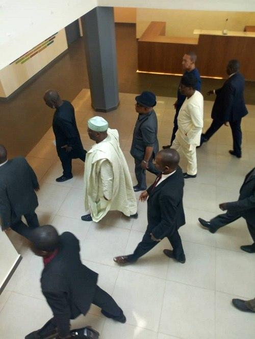 Atiku arrives the Obasanjo presidential library with his entourage