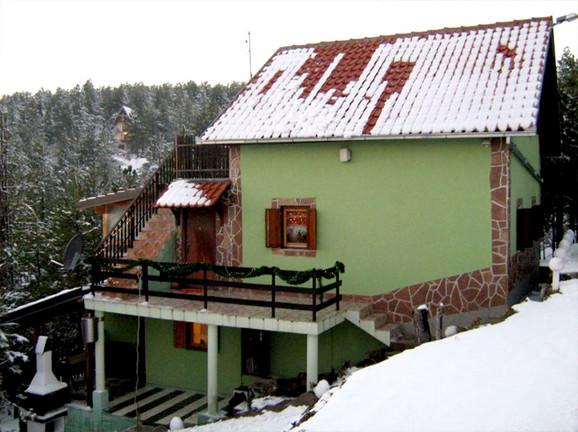 Kuća-sa-tri-etaže