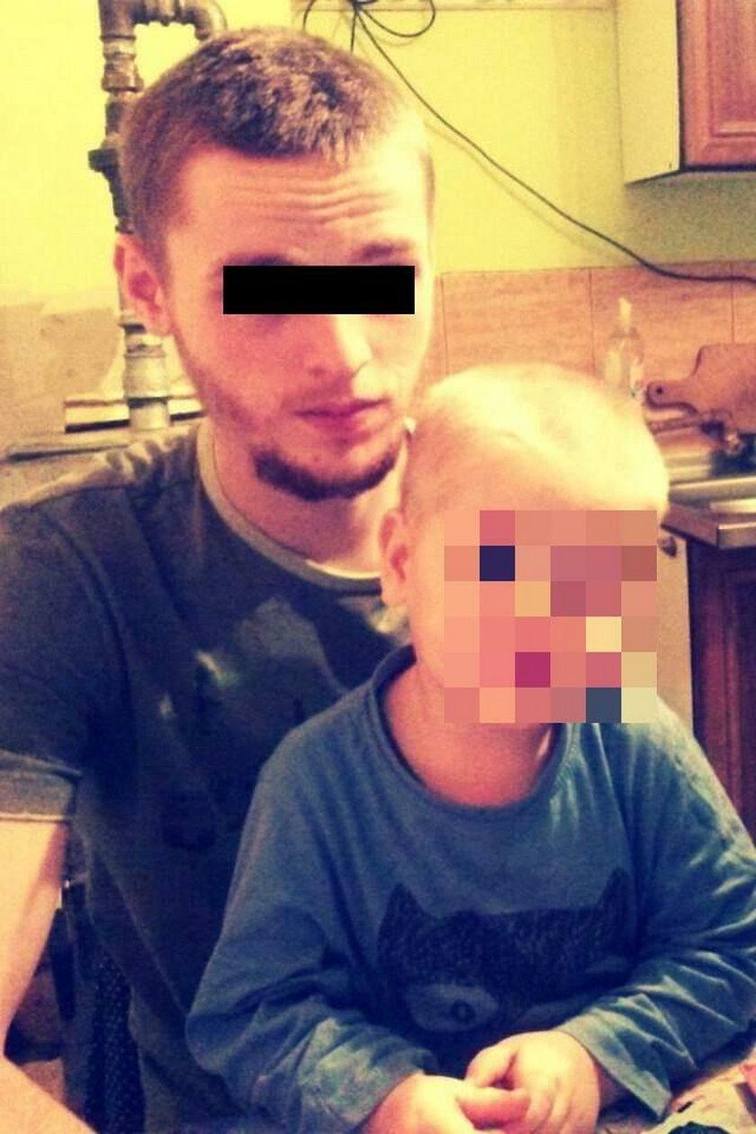 Piotr L. (23 l.) z synkiem
