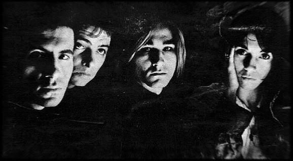 Grupa EKV1986. sa Margitom Stefanović koja je na slici prva s desna
