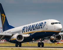 Ryanair jest jedynym przewoźnikiem oferującym regularne loty z Modlina