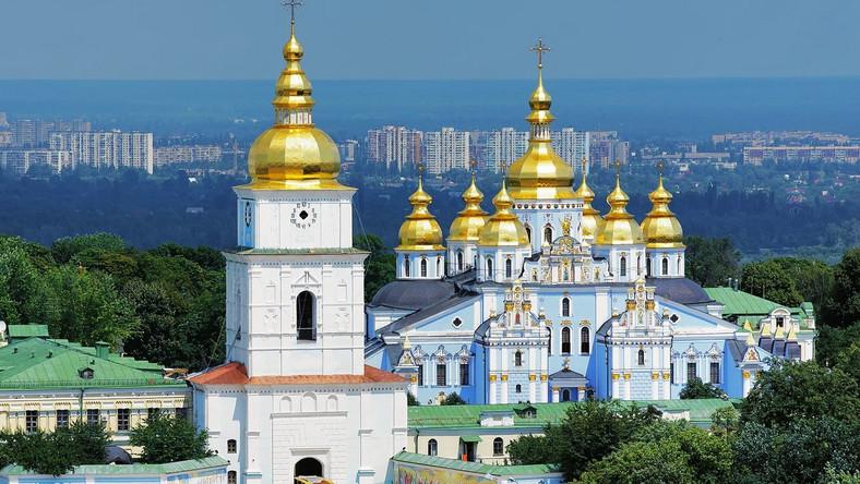 Moskwa przejmuje kontrolę nad ukraińskim Kościołem